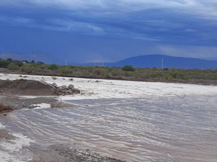 creciente-rio-blanco-ullum-2jpeg