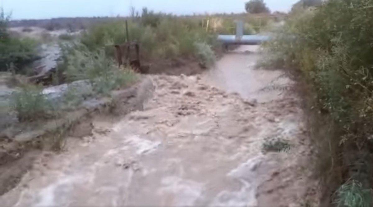 por-la-intensa-lluvia-cortaron-el-agua-riego-jachal